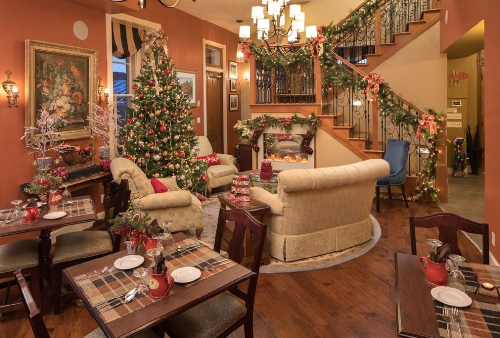 Jail Hill Inn, Galena, Illinois, Christmas decorations in the lobby