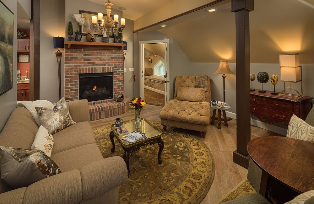 Unwinding at our cozy and luxurious Bed and Breakfast is one of the best things to do in Galena IL this fall!